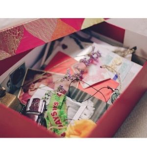 how to make a mood board in a box